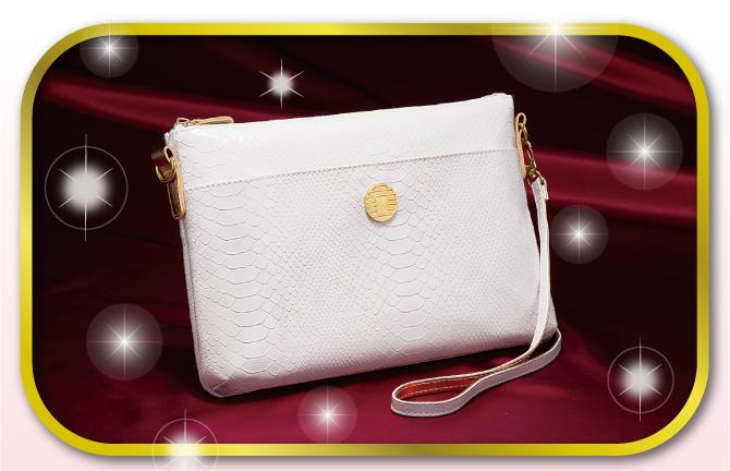 白蛇のバッグ