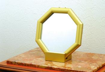 玄関に置くと良い風水鏡